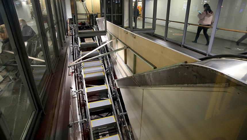 Rail_Town Hall Escalators_2017 05 cropped